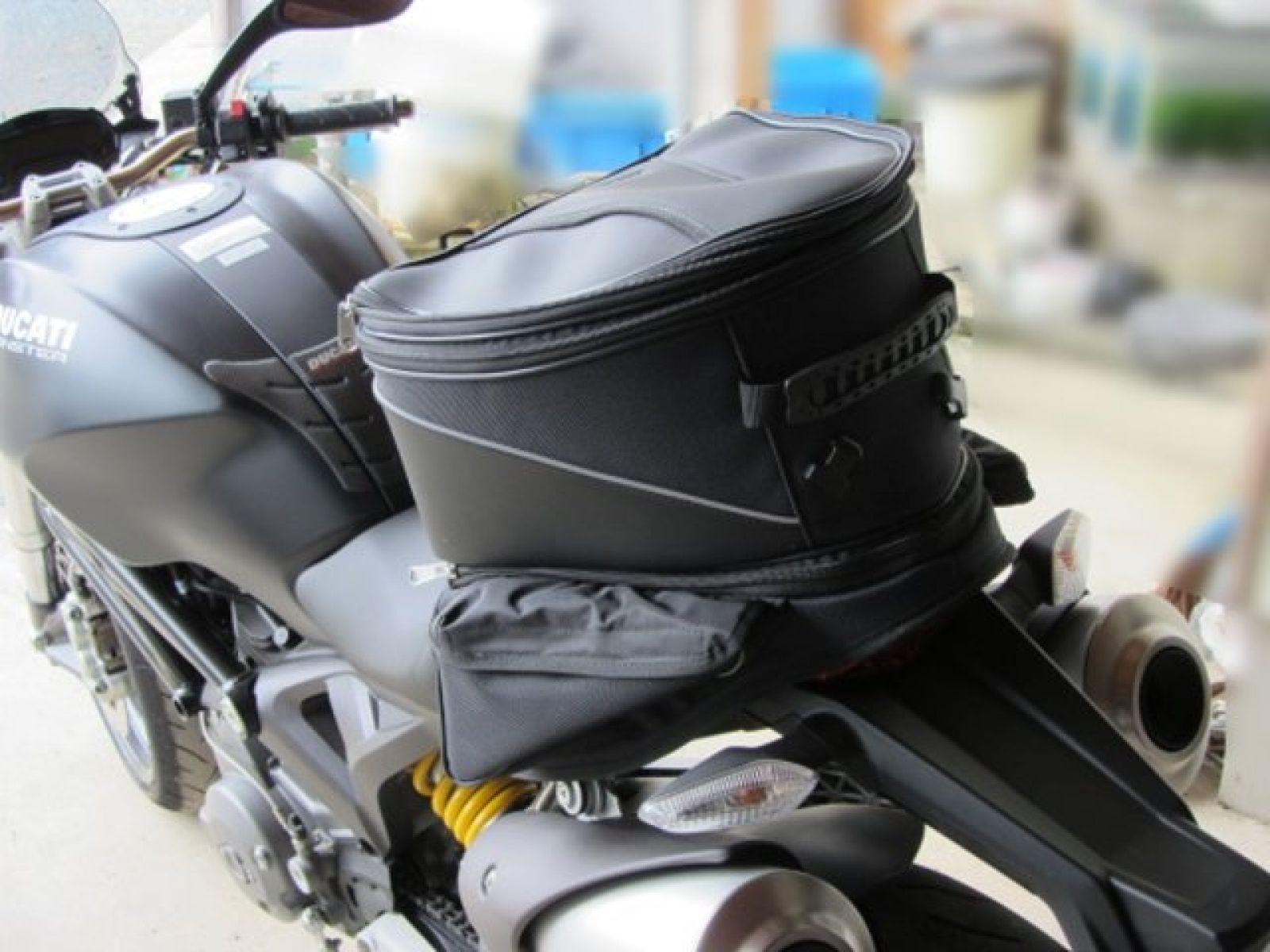 Сумка на заднее сиденье Ducati