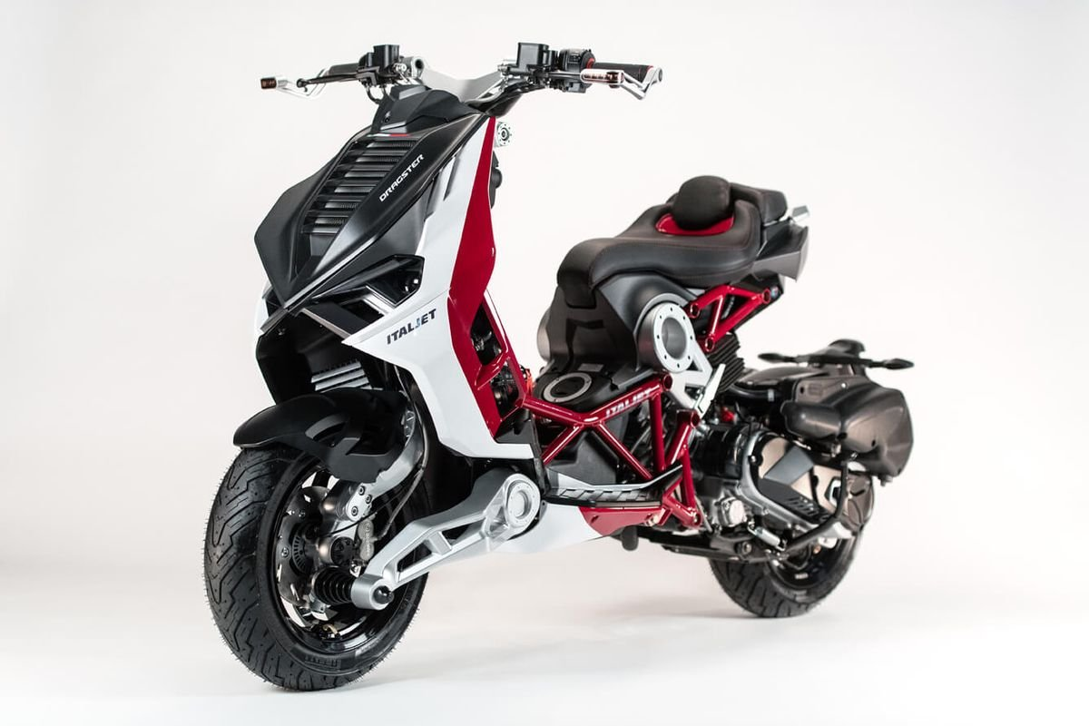 Новый скутер ITALJET Dragster 2020 года